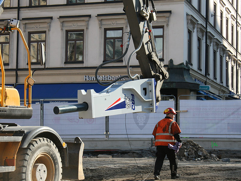 Testkörning av hydraulhammare på Östermalms torg